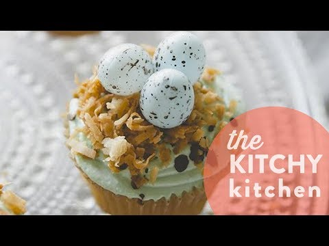 Robin's Egg Nest Easter Cupcakes // Living Deliciously
