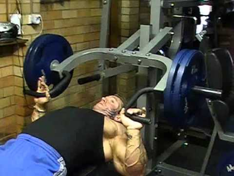 Lee Priest Flat Bench Press on Powertec Multi System