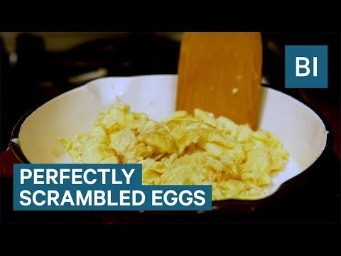 How to make scrambled eggs according to Top Chef judge Tom Colicchio