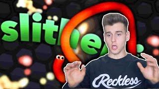 Playing Snake The Game (Slither.io)