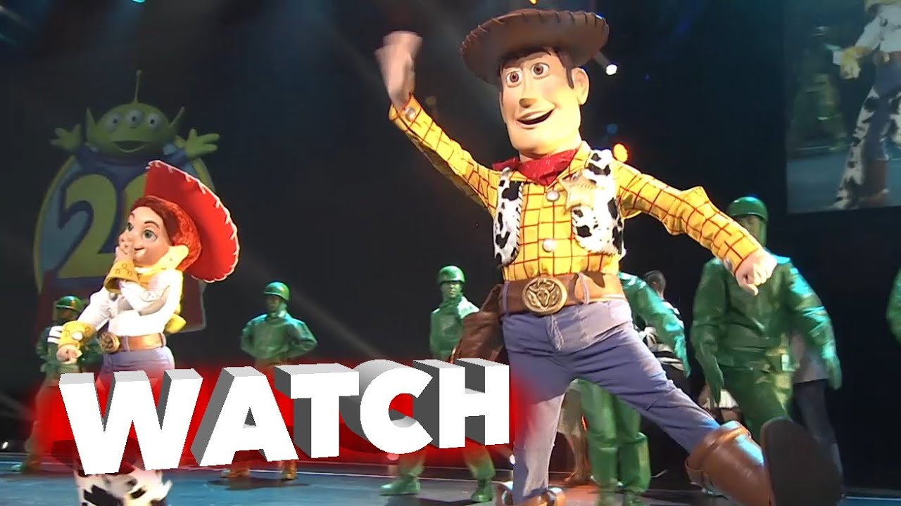 Toy Story 4: Annoucement at D23 Expo 2015 with John Lasseter and Stage Performance | ScreenSlam