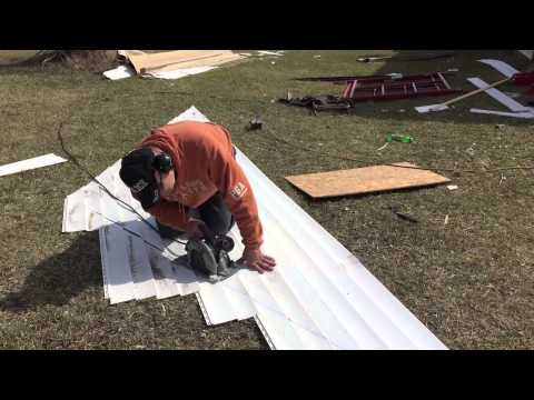 How to side a gable end using a skill saw