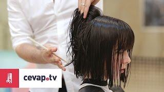 Küt kesime başlamadan önce saç yıkanır ve kesime hazırlanıcak şekilde ayrılıp, taranır. Saç kafa yapısına göre kesilir. Kafadaki çökük ve çıkıklar saça hacim verecek şekilde dikkate alınarak bir model belirlenir. Saç modelin orantısızlık olmaması için kesim esnasında düzgünce ayrılması gerekir.