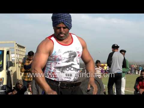 Punjabi Jatt does 150 kg bench press