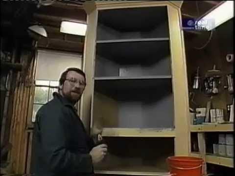 Old door Projects - Corner Cupboard - DIY Pallet Furniture