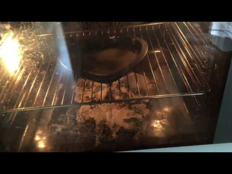 Clean your oven with baking soda, water and vinegar
