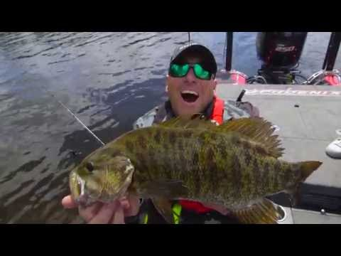 How to make a fish smile for a picture!  - Dave Mercer's Facts of Fishing THE SHOW