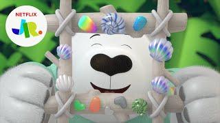 Pete the Polar Bear's Beach Souvenir 🐻❄️ Gabby's Dollhouse   Netflix Jr