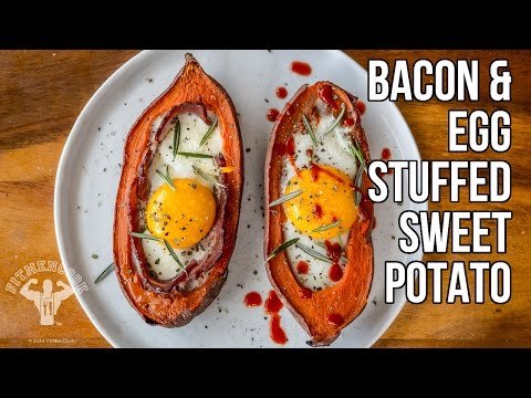 Paleo Bacon & Egg Stuffed Sweet Potato / Batata Rellena de Tocino y Huevo