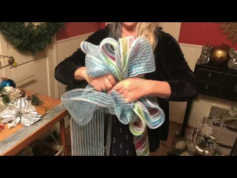 How to make a deco mesh bow