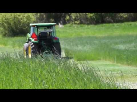 Cutting Hay in 2013 with John Deere 5083E