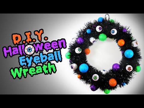 DIY Halloween Eyeball Wreath - Easy Halloween Decoration Ideas