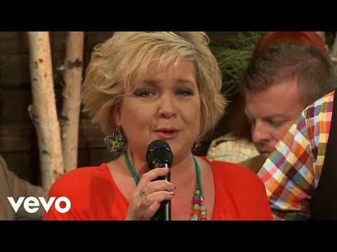 Jeff & Sheri Easter - Roses Will Bloom Again (Live)