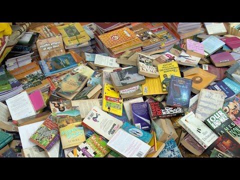 Sunday Bazaar Daryaganj Book Market