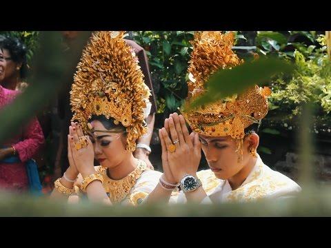 Balinese Wedding Ceremony ( Upacara Pernikahan Adat Bali )