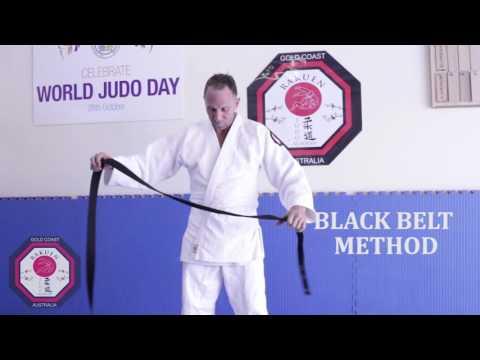 How to tie a Judo Belt