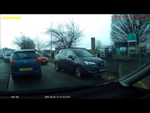 Dash cam #137 wolverhampton school run madness