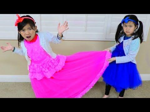 Xxx Mp4 Emma Amp Jannie Pretend Play Making Princess Dress W Sewing Machine Toy 3gp Sex