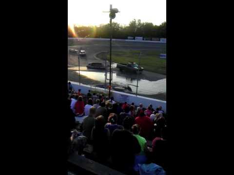 Auto City Speedway - Boat Drag Race - Maximum Destruction