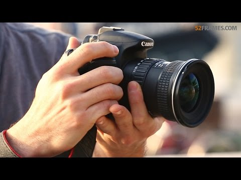 QUICK TIP: How to properly hold your DSLR camera!