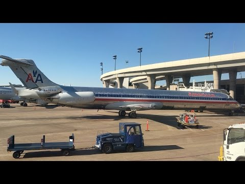 Flying - Take Off from Dallas / Fort Worth Airport (Texas, U.S.A.) on American Airlines
