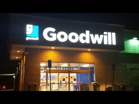 Goodwill Thrift Store Shopping LIVE! Thrifting For Inventory