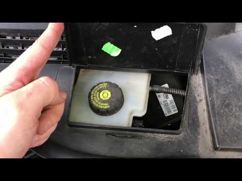 How to check and top up brake fluid with brake fluid tester of a car BMW MINI Cooper DIY