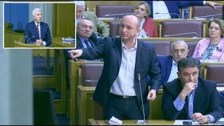 Skupština - pogledajte: Lider Srba očitao lekciju života crnogorskom premijeru!