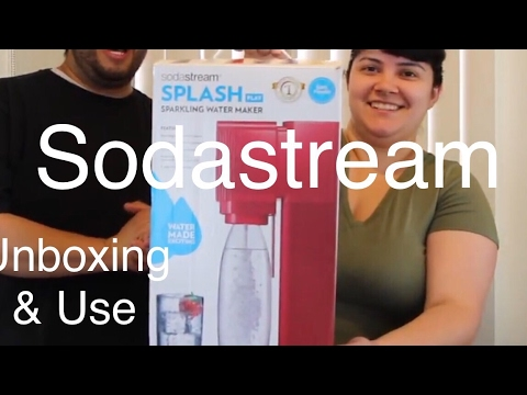 Sodastream splash play unboxing! We make our own sparkling water!