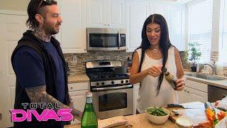 Rosa Mendes tests out her cooking skills: Total Divas Bonus Clip: Feb. 23, 2016