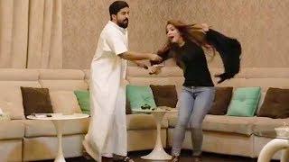 #x202b;عفريتو ينجلد من زوجته!! 😱#x202c;lrm;