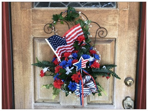 Tricia's Creations: Trellis Wall or Door Hanging Decor 4th of July: Dollar Tree Items