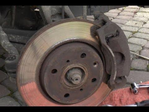 How to replace brake discs - Aygo, Yaris, C1, 107