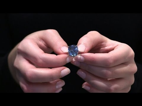 Record auctions bring sparkle to diamond market