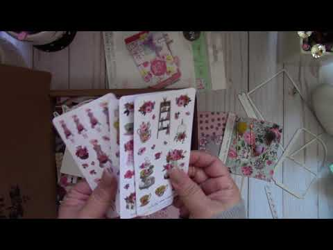 Create With Me ~ Tri-Fold Pocket