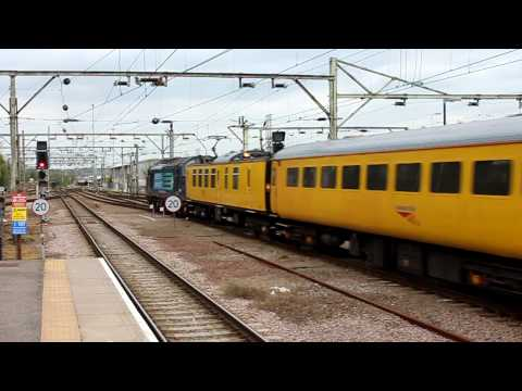 37608 + 37610 depart Southend Victoria with 1Q13 [HD]