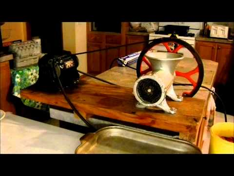 Kitchener #32 Meat Grinder with V-Belt Pulley grinding venison with electric motor