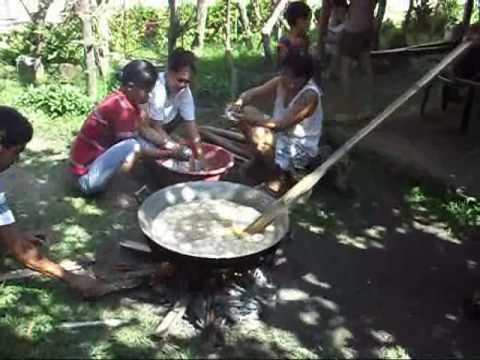 making kalamay dec 24, 2009.wmv