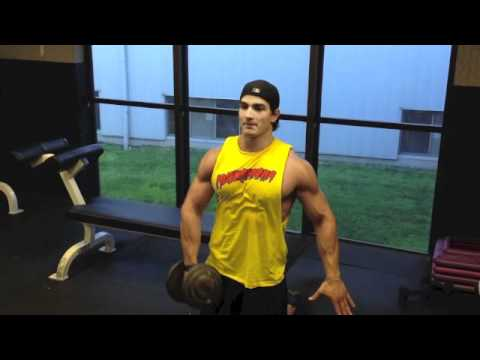 1 Odd Tip to Build Upper Body Strength (and ripped arms)