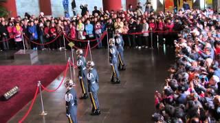 2014/3/21 陸軍儀隊-國父紀念館  遊客失控第一線