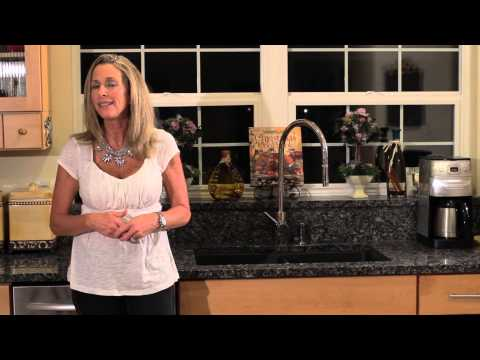 How to Replace a Kitchen Backsplash : Design Tips for the Kitchen