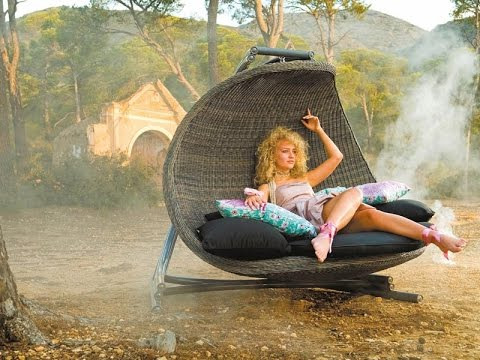 Fun and Stylish Wicker Hanging Chairs Designs