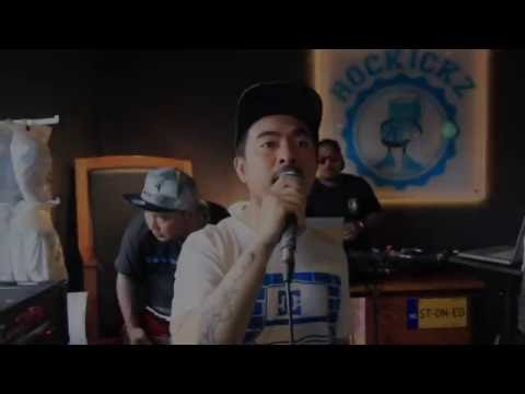 Saint Loco Bebas (feat. Iwa K & Dj Tius)