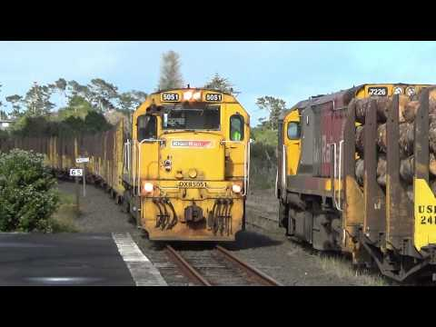 Log and Chip Train Driver Swap New Zealand DXB5051 DFT7226