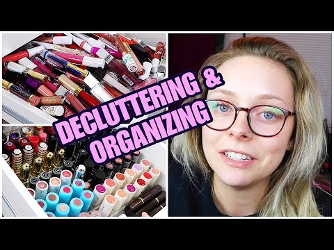 DECLUTTERING ALL MY LIPSTICKS AND LIPGLOSSES