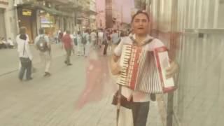 رومانیایی معلول و رقص   زیبای یک رهگذر   استانبول