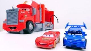 Lightning McQueen 🚗 ⚡ und DJ #Cars2 probieren die neue Rennstrecke aus 🏁 Lightning McQueen Video