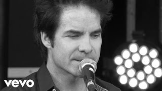 Train - Angel in Blue Jeans (Xperia Access @ V Festival - Lounge)