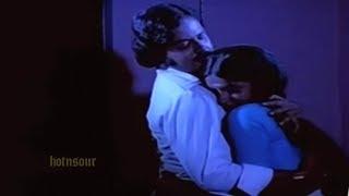 നീയിന്നു രാത്രി വരണം | Best scene from Ambika | Musical Romance | Movie Scene ever | Malayalam