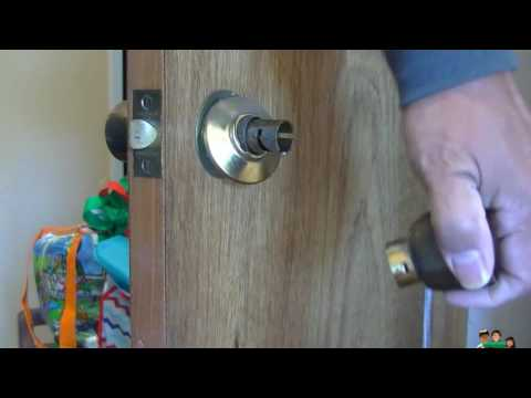 How to remove an old non locking door knob